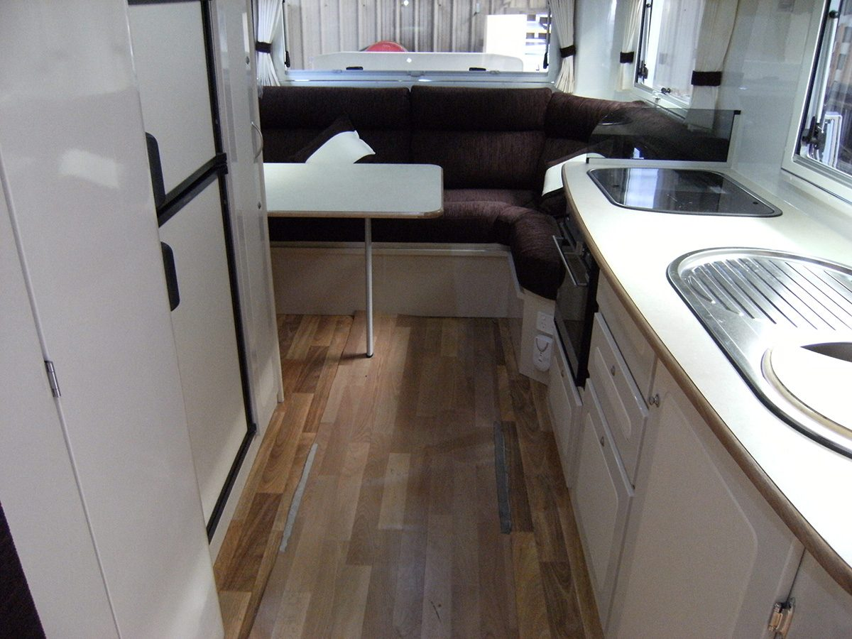 Travelhome Macqurie 23ft Fifth Wheel interior rear