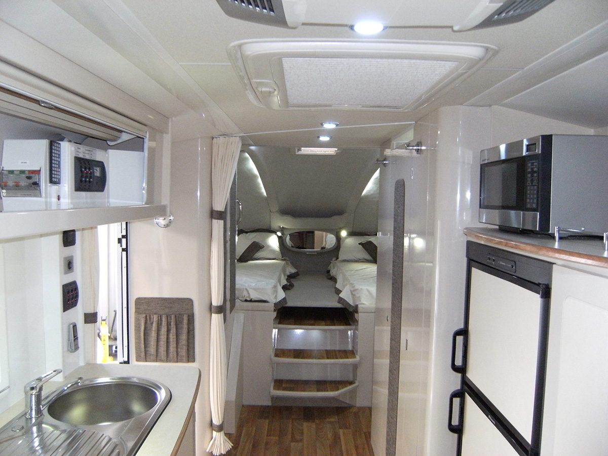 Travelhome Macquarie 23ft Fifth Wheel interior front